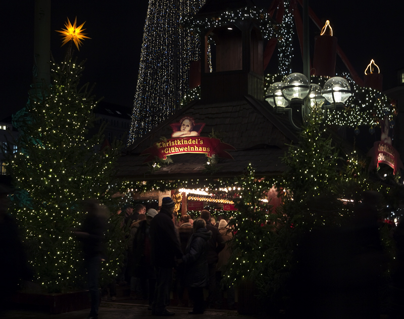 Christmas Markets in Hamburg - Rathausmarkt Glühwein