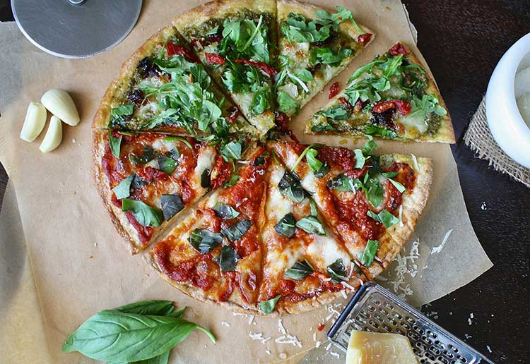 How to Make Thin Crust Pizza at Home