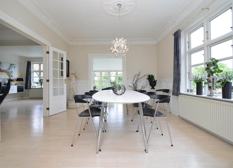 Houses in Denmark - Danish Dining Room